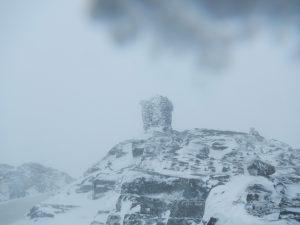 Der Gipfel des Hårteigen bei winterlichen Verhältnissen