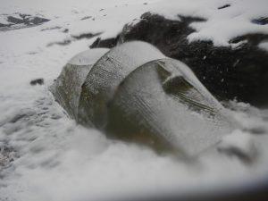 Unser Zelt im Schnee