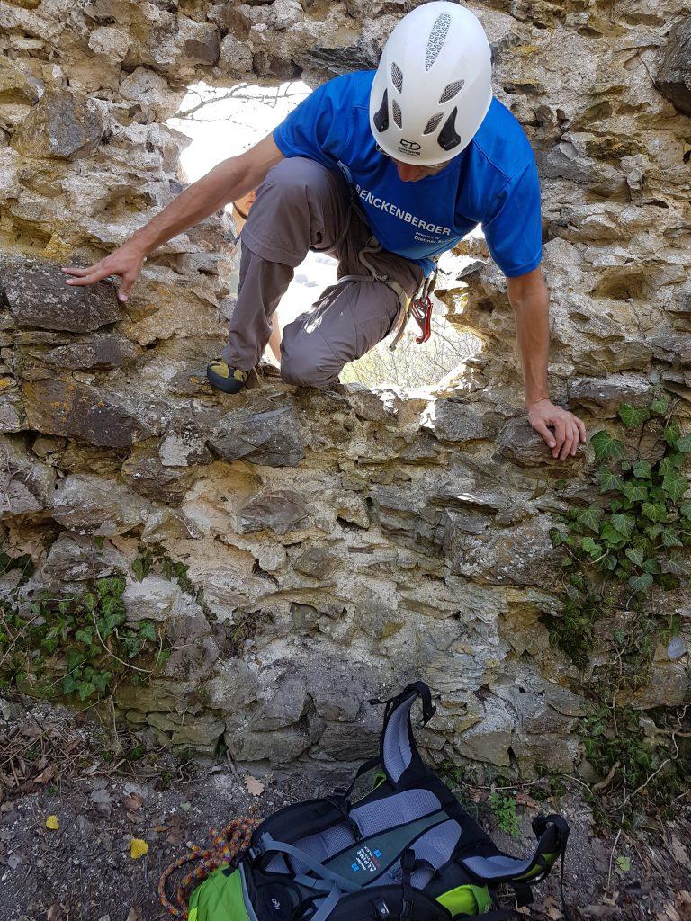 So eine Burgruine ist auch für Erwachsene spannend zu erforschen!