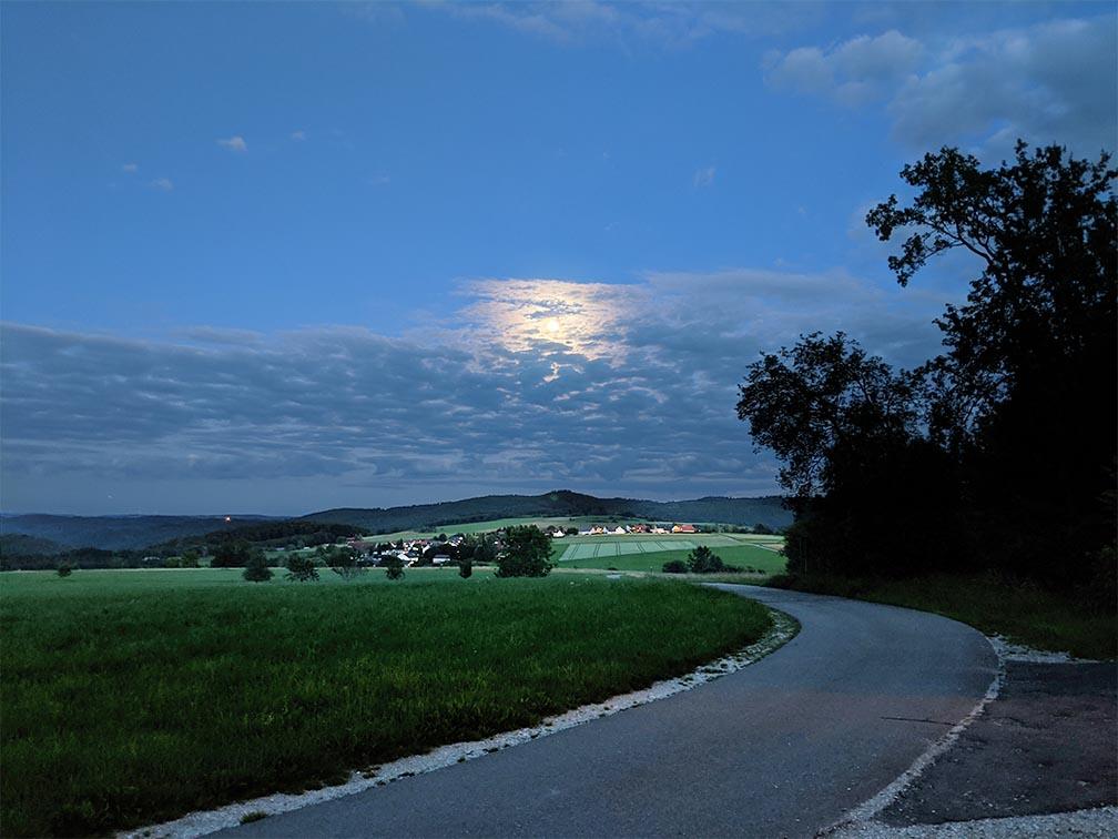 Landschaft im Mondschein