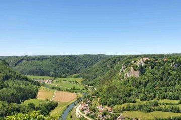 Donautal mit Schloss Werenwag von oben